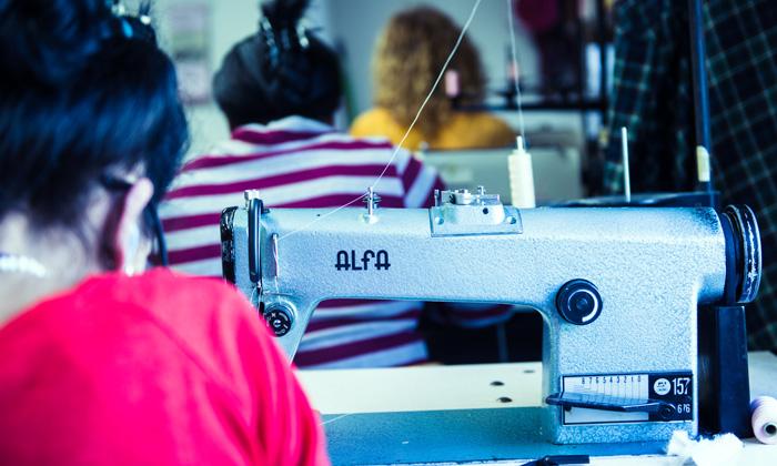 Treballadores del taller Dona Kolors